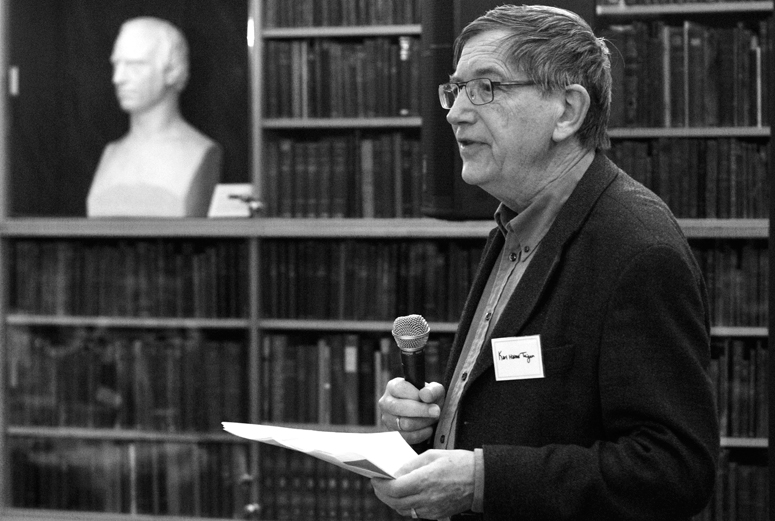 Psykologiprofessor Karl Halvor Teigen holder foredrag.