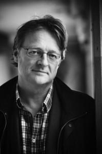 THRILLERAKTIG: Forfatter Dan Josefsson kommer med en spennende, nærmest thrilleraktig, versjon av det som skapte seriemorderen Thomas Quick. Foto: Lind & Co.