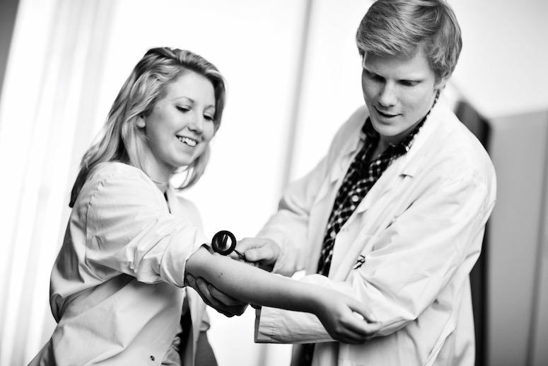 Medisinstudenters intensjon om å tematisere seksualitet i behandlingsrommet